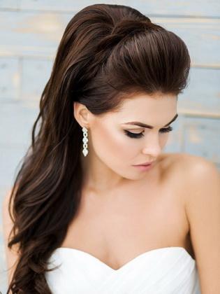 6190b464deb91be Есть очень много вариантов свадебных причесок для длинных волос на которые  стоит обратить ваше внимание. Имейте ввиду главными трендами 2019 сезона ...