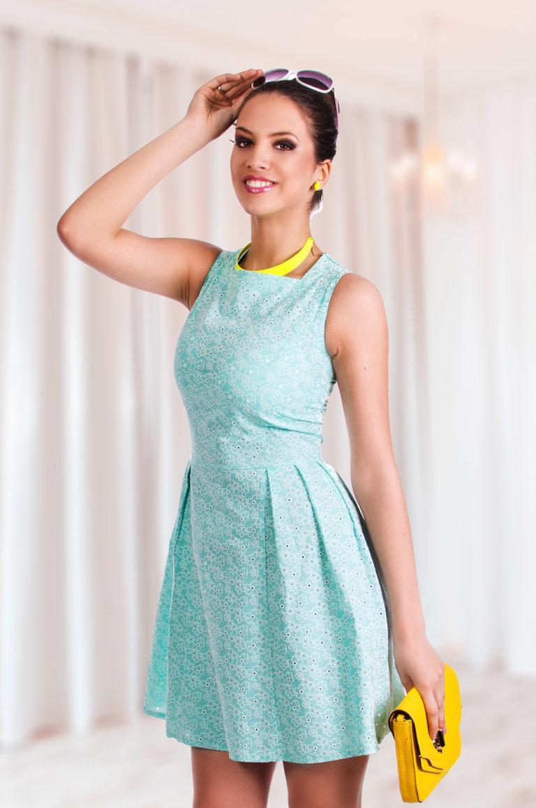 модели платьев для шитья фото обтягивает фигуру