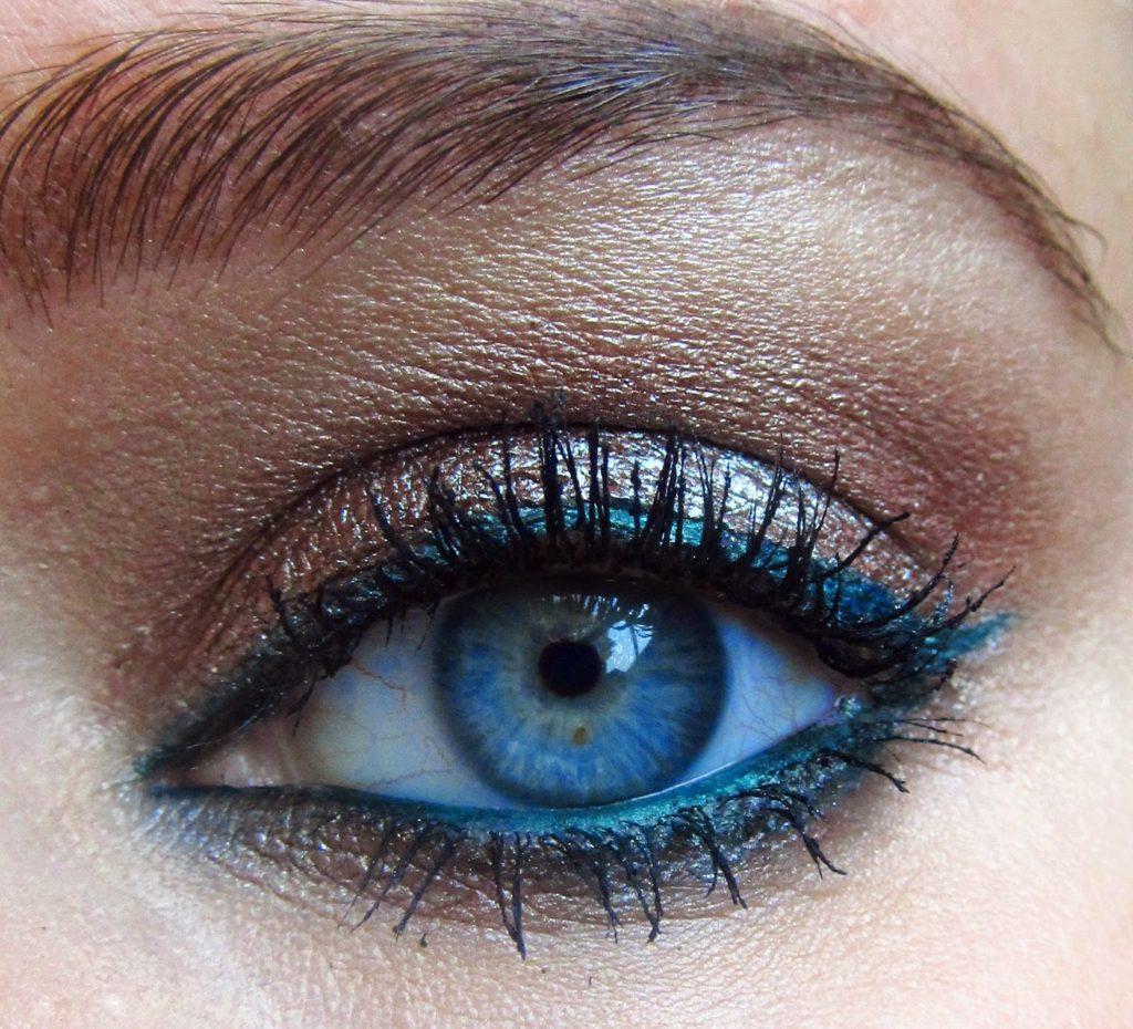 Макияж синего цвета фото